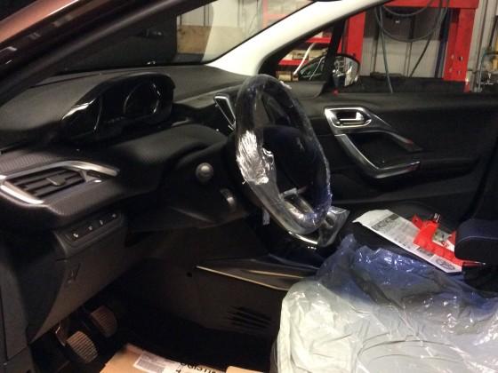 ...noch in der Werkstatt vor der Fahrzeugübergabe zur Montage des Zubehörs
